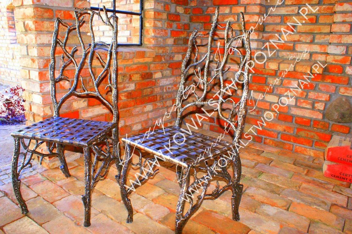 Krzesła kute ręcznie. Meble z metalu.