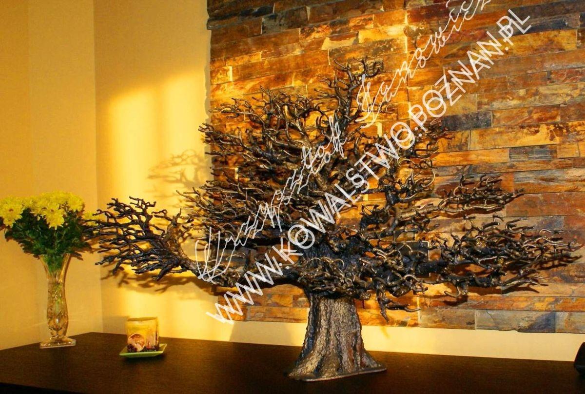 Drzewo kute, dekoracje z metalu