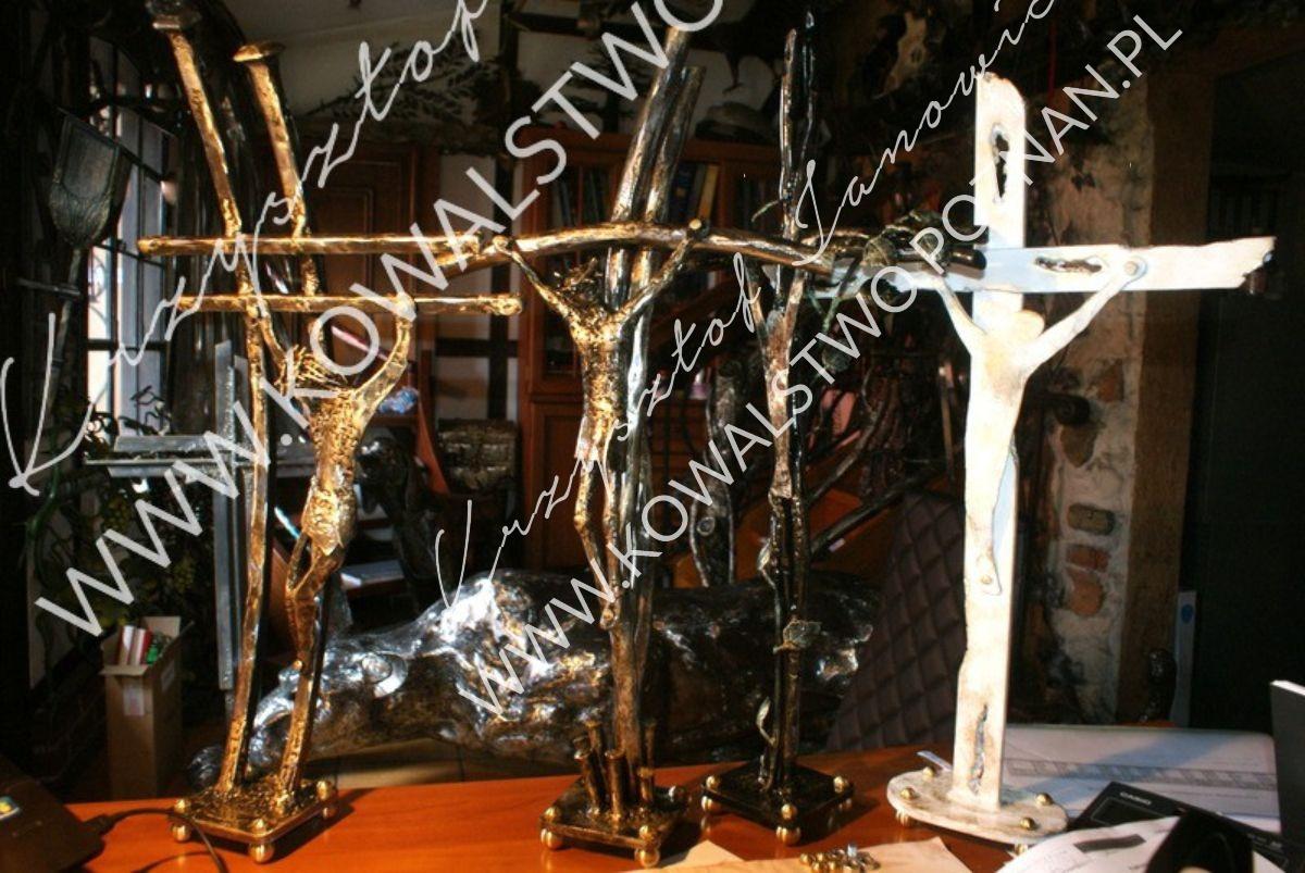 Krzyże metalowe na nagrobek. Metaloplastyka sakralna