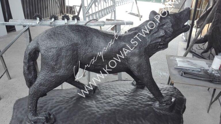 Mateloplastyka: Wilk z metalu